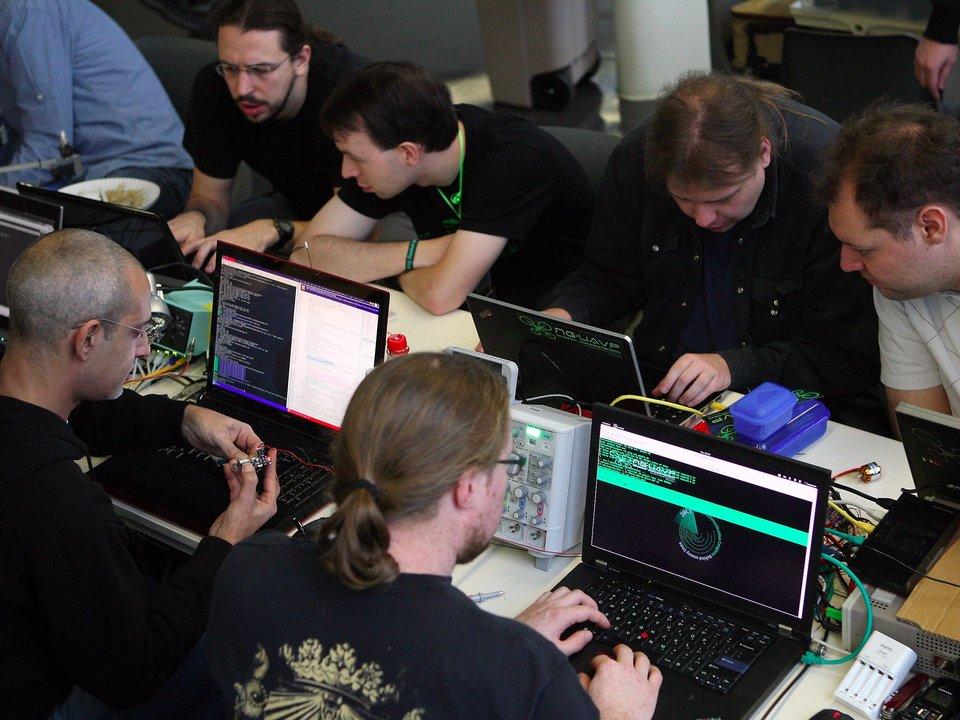 ハッカー大会の参加者