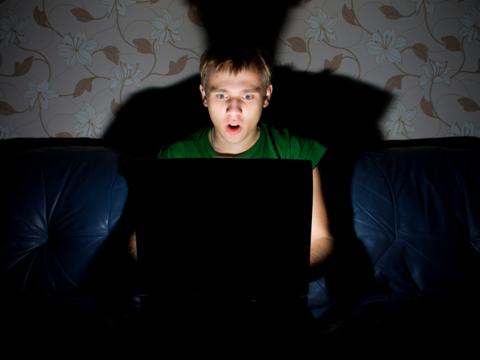 闇サイトを使った人たちが教える奇妙で不気味な体験談