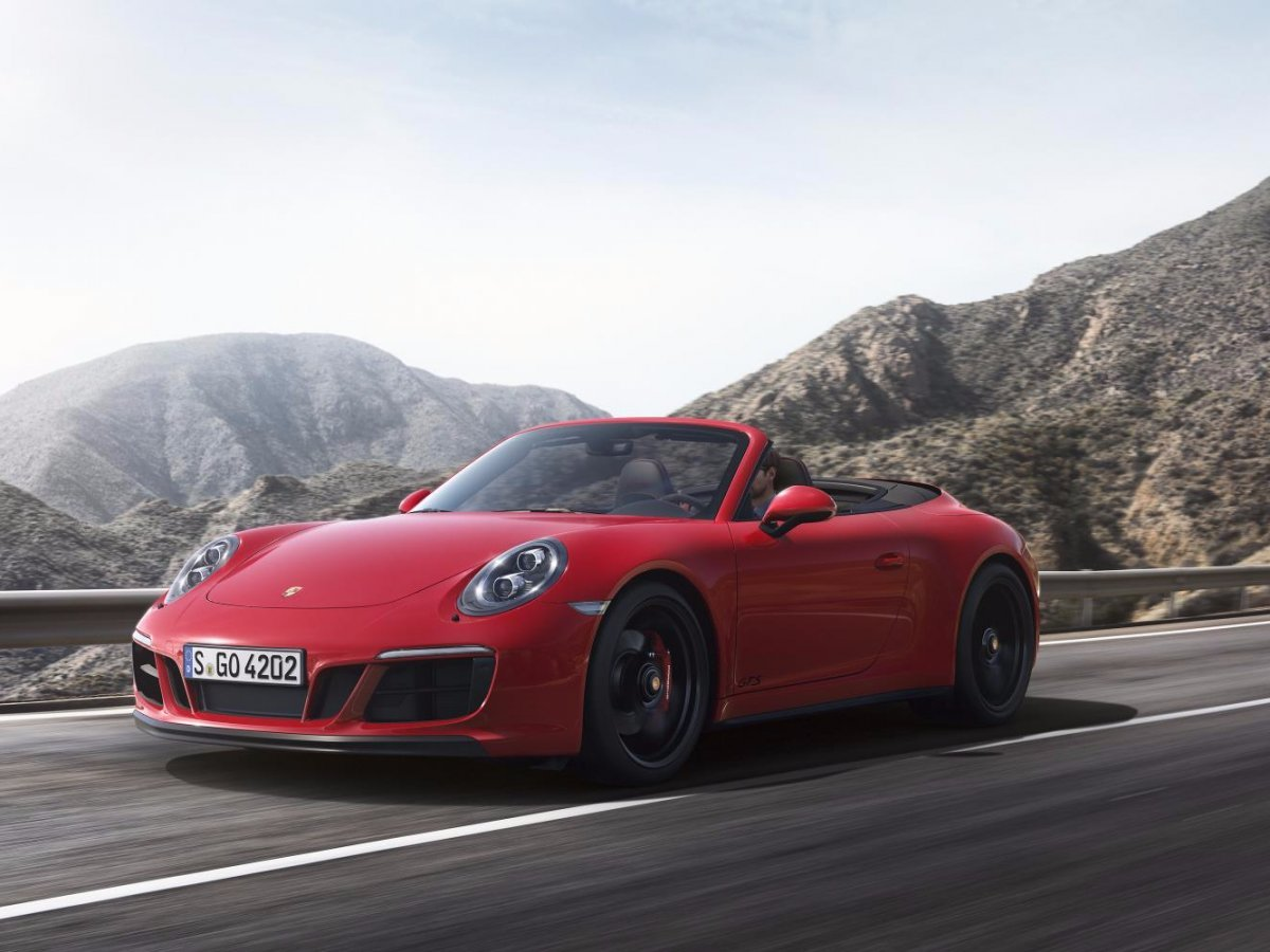 -and-carrera-4-gts-cabriolet-is-naturally-the-accompanying-convertible