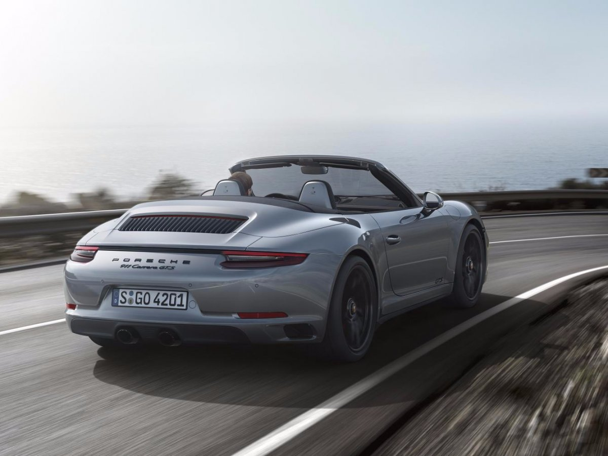 -and-the-carrera-gts-cabriolet-is-yet-another-convertible-version