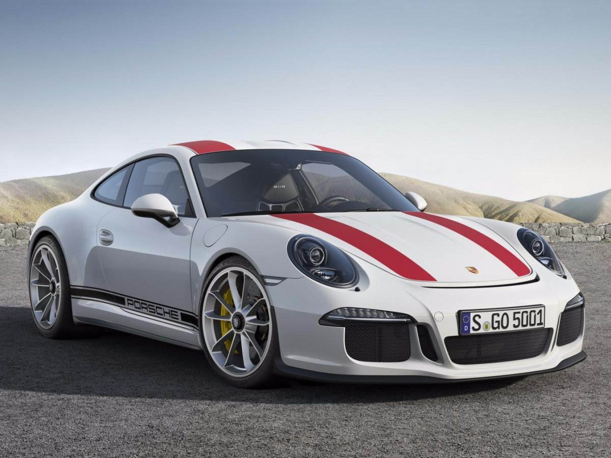 finally-theres-the-911r-its-an-ultra-lightweight-special-edition-with-only-991-expected-to-be-built-worldwide-the-911r-is-powered-by-a-500-horsepower-naturally-aspirated-40-liter-unit-thats-shared-with-the-gt3-rs-i