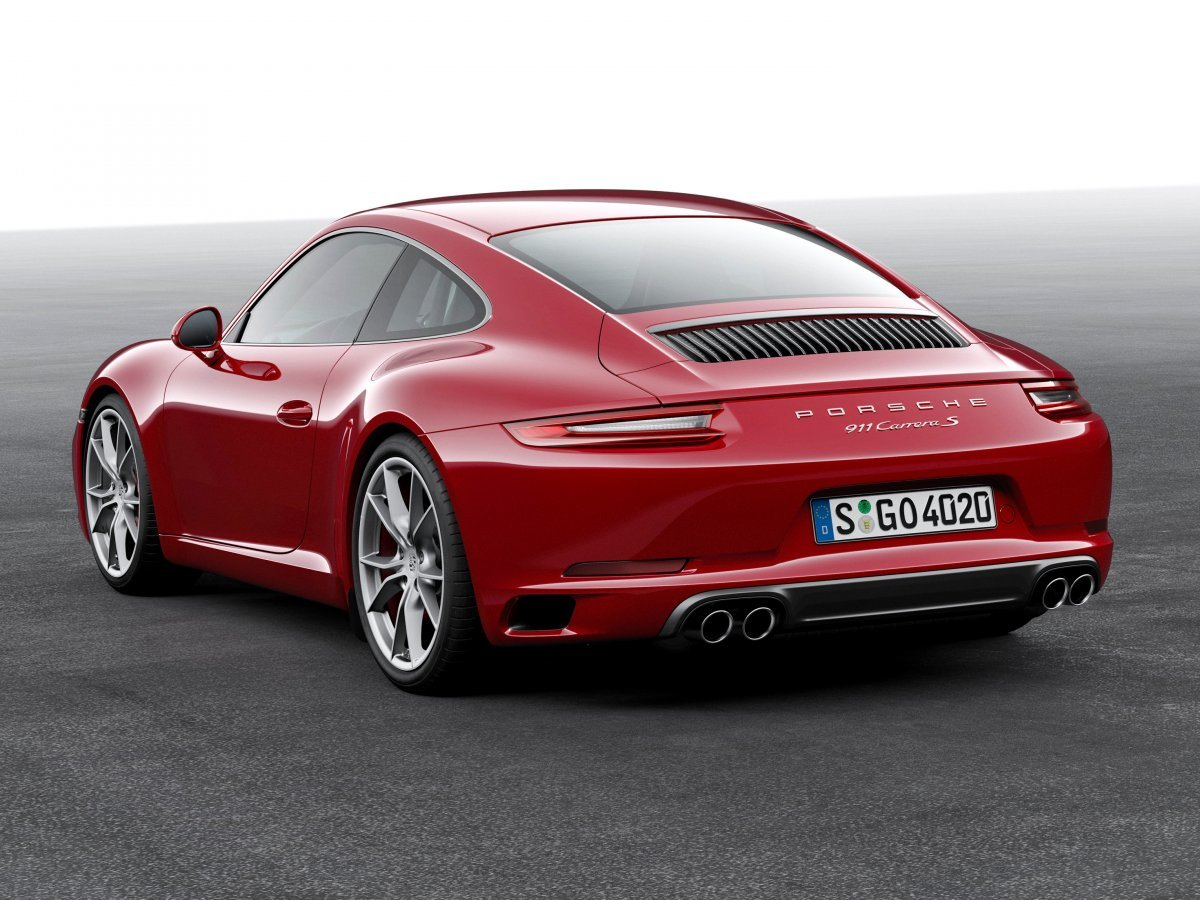 the-carrera-s-gets-a-50-hp-boost-from-the-base-carrera-thanks-to-larger-turbochargers-and-an-upgraded-exhaust-system-on-the-30-liter-420-hp-flat-six-engine-