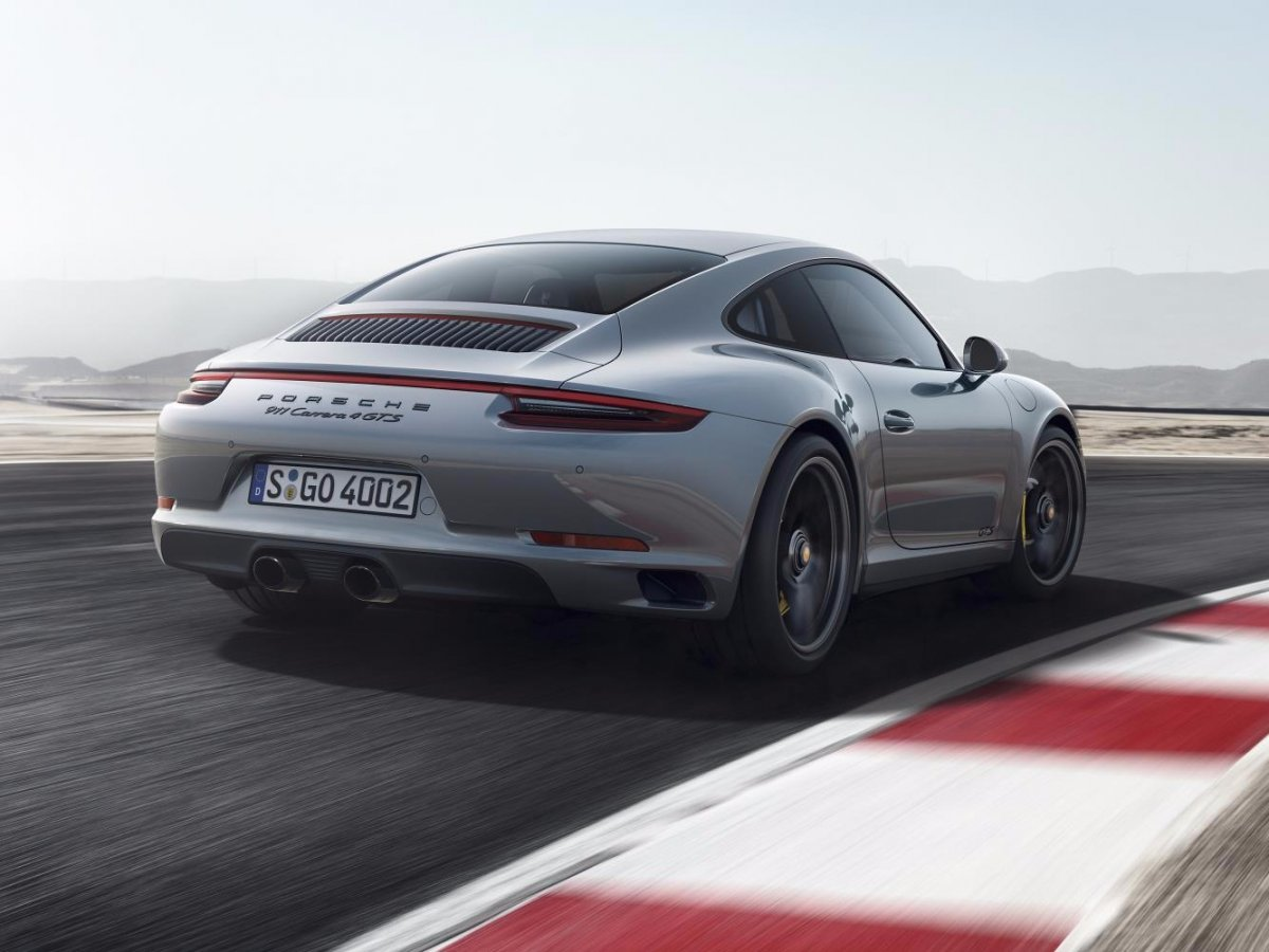 the-porsche-911-carrera-4-gts-is-the-gts-with-all-wheel-drive-