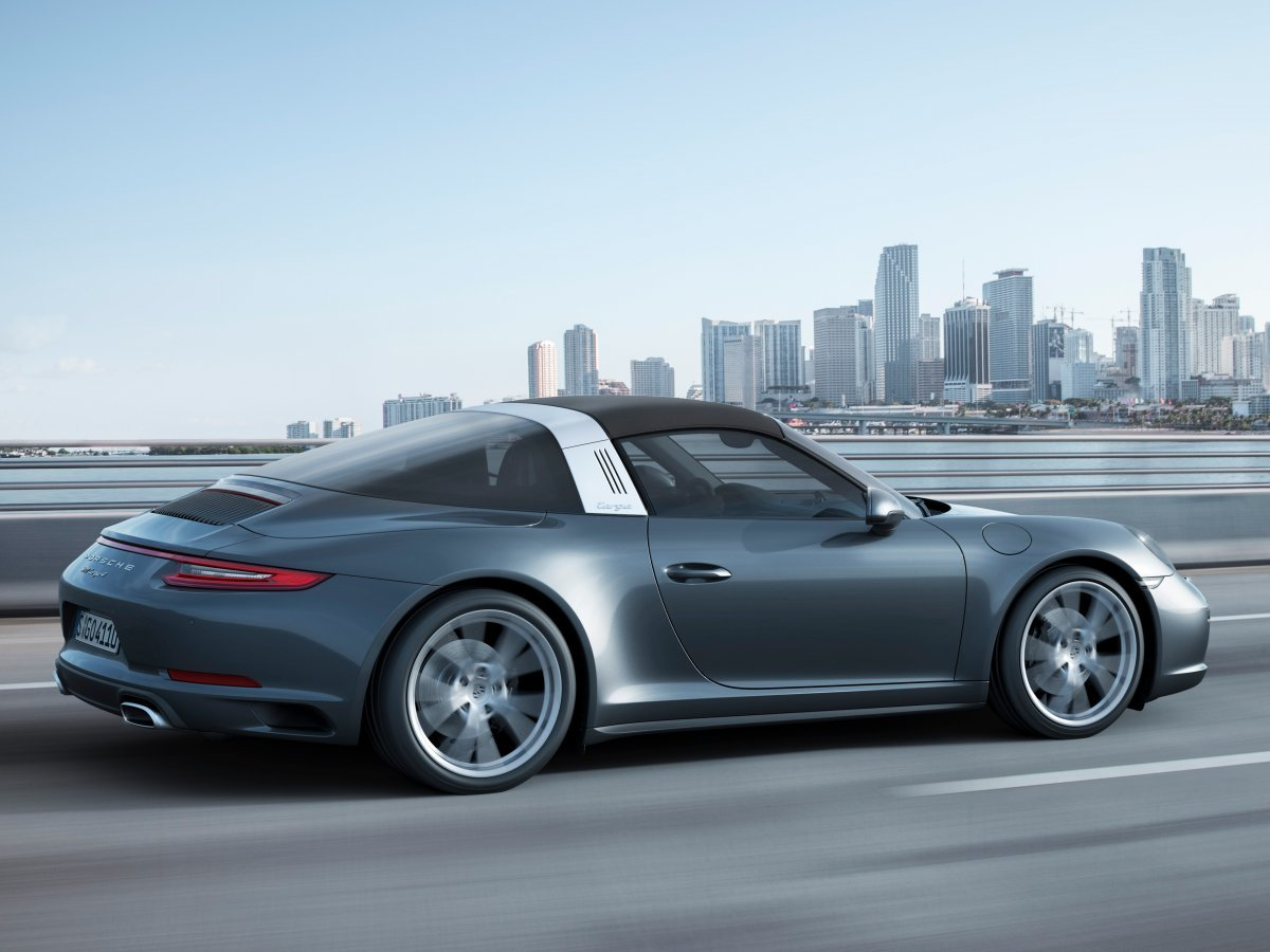 the-targa-4-is-a-carrera-4-with-an-awesome-electric-lift-away-roof