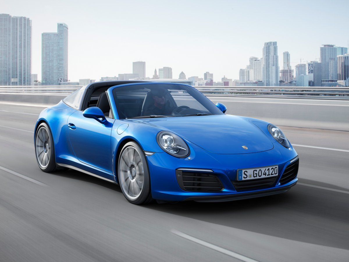 while-the-targa-4s-is-a-carrera-4s-with-the-special-targa-roof