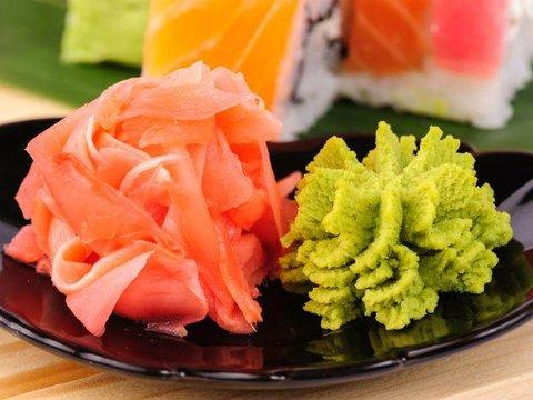 アメリカの寿司レストランで出されるワサビは本物のワサビではない