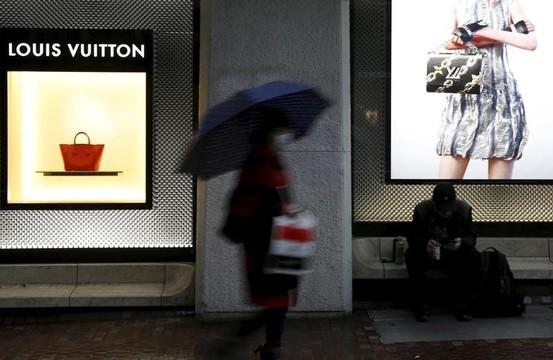 36年ぶりに百貨店の売上高が6兆円を割る