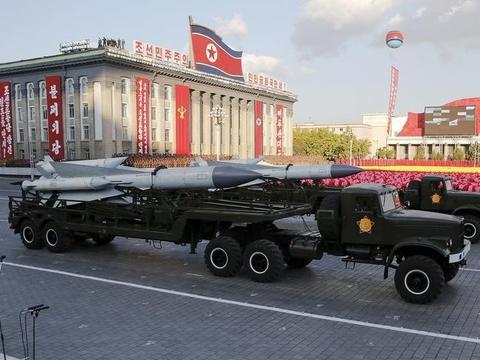 トランプ氏が大統領就任式に戦車とミサイルランチャーの配置を望んでいるとハフポが報道