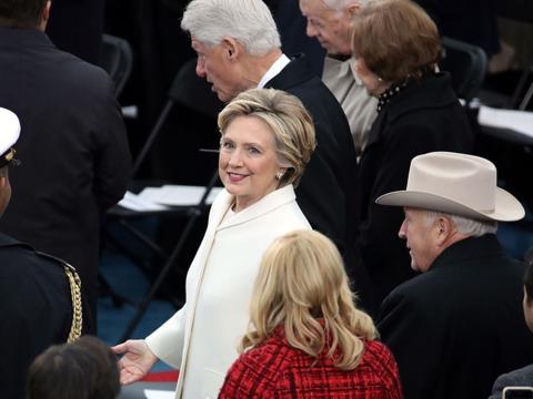「民主主義に敬意を表すため」 ヒラリー・クリントン議員が就任式に出席する理由をツイート