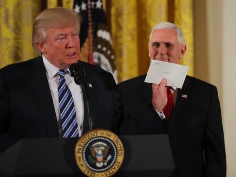 トランプ大統領とマイク・ペンス副大統領