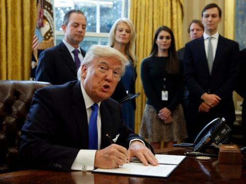 トランプ大統領、パイプライン工事の雇用創出数を7倍以上多く見積もる