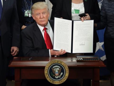 """""""外国人""""による犯罪を毎週発表 —— アメリカ大統領令"""