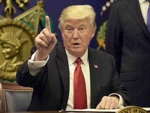 「自由の女神が泣いている」トランプ大統領の難民受け入れを制限に非難の声
