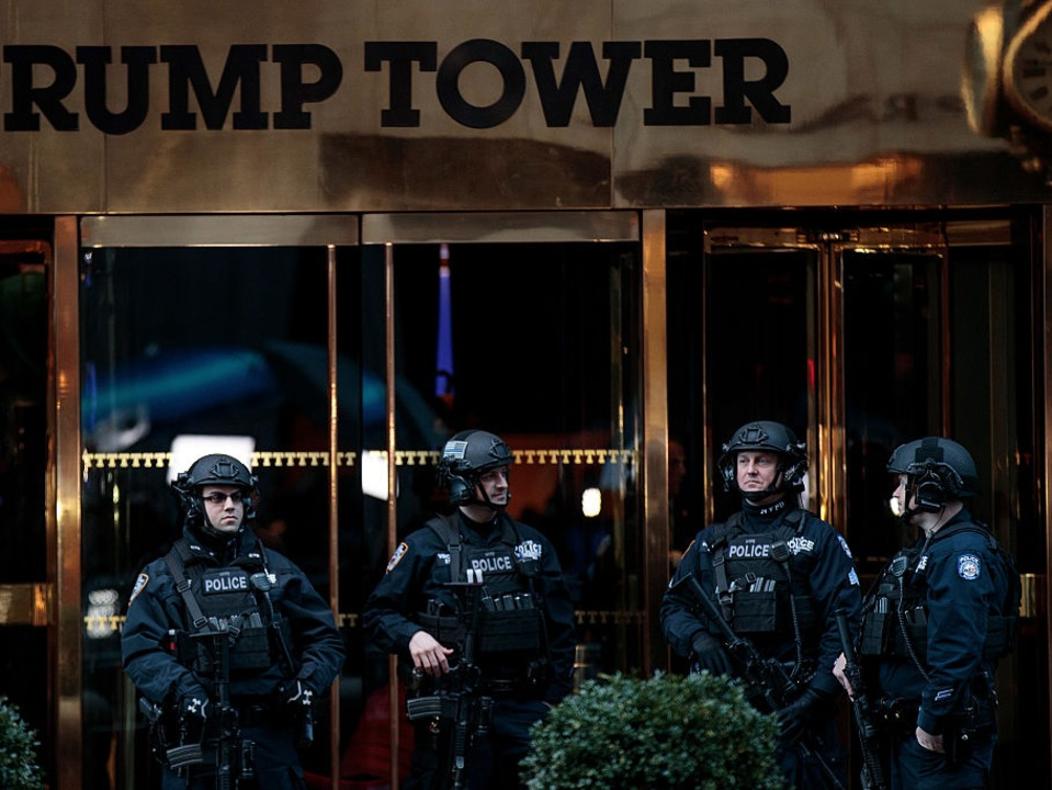 trump-tower-residents-are-complaining-that-heavy-security-is-keeping-them-from-their-food-deliveries