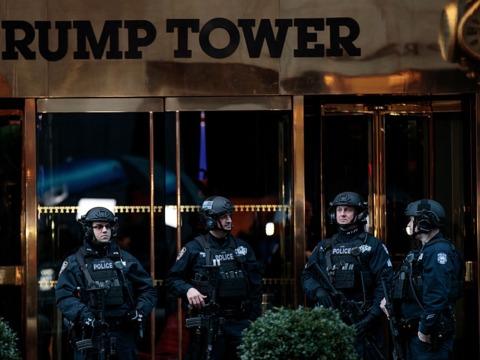 「セキュリティが厳重すぎて食事のデリバリーも届かない」とこぼすトランプタワーの住人