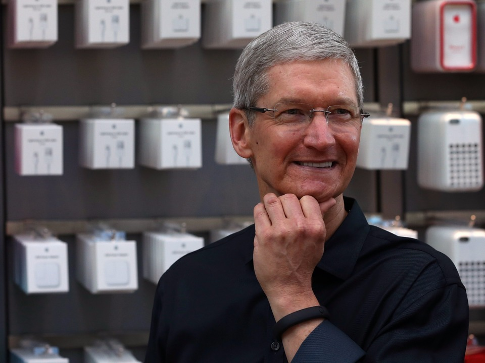 apples-ceo-sees-a-way-to-bring-back-billions-in-cash-from-overseas