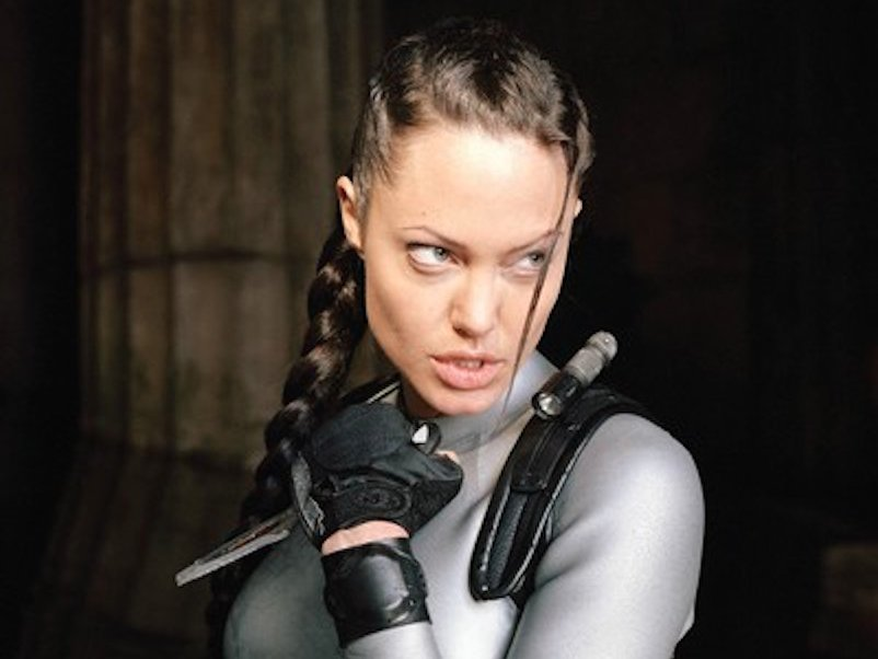 angelina-jolie-collects-weapons