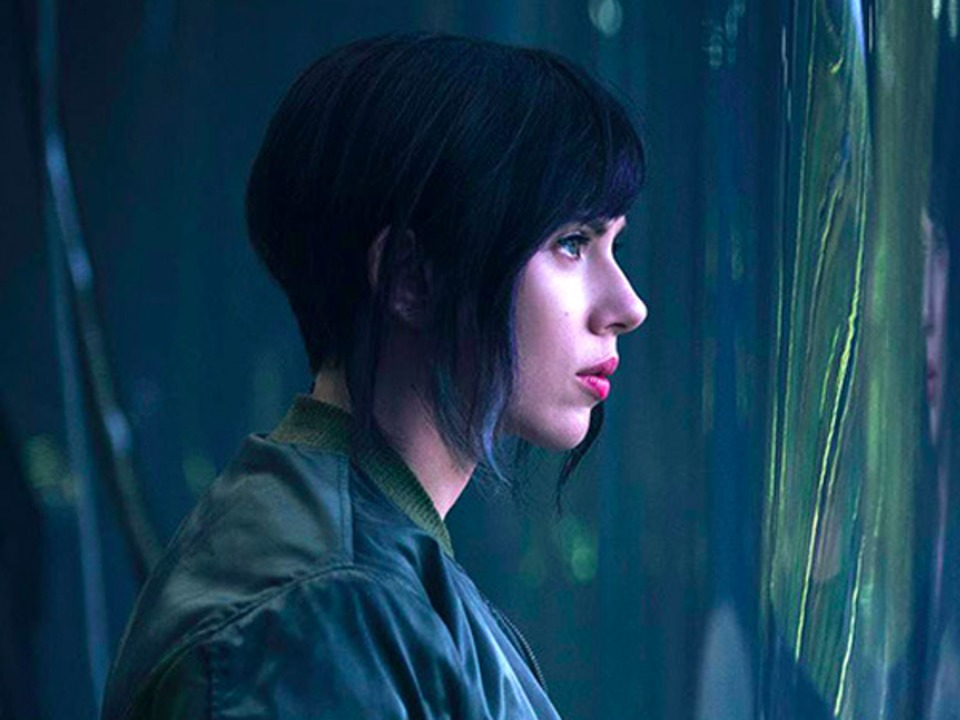 scarlett-johansson-defends-her-new-movie-ghost-in-the-shell-against-whitewashing-accusations