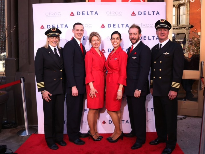 delta-air-lines-just-gave-employees-another-1-billion-reward