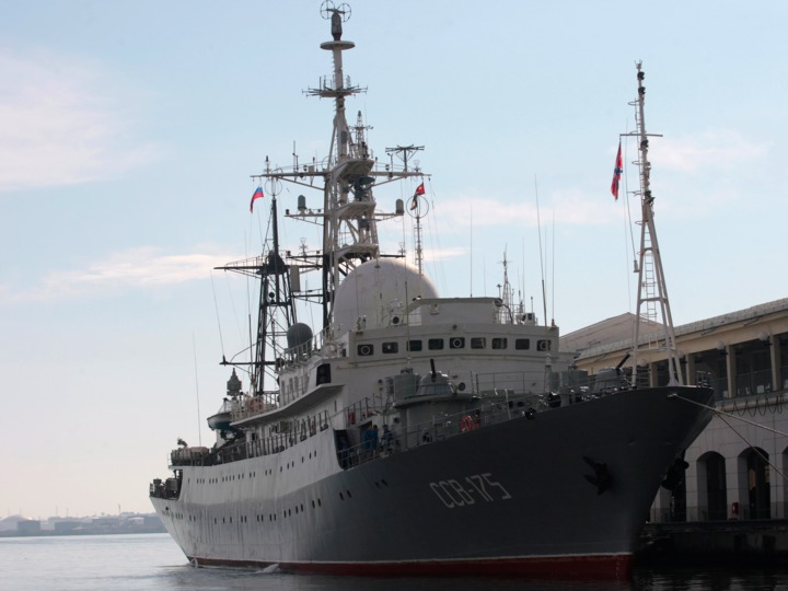 russian-spy-ship-built-for-eavesdropping-spotted-30-miles-from-a-us-submarine-base