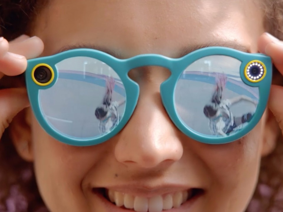 snapchat-has-started-selling-its-spectacles-camera-glasses-online