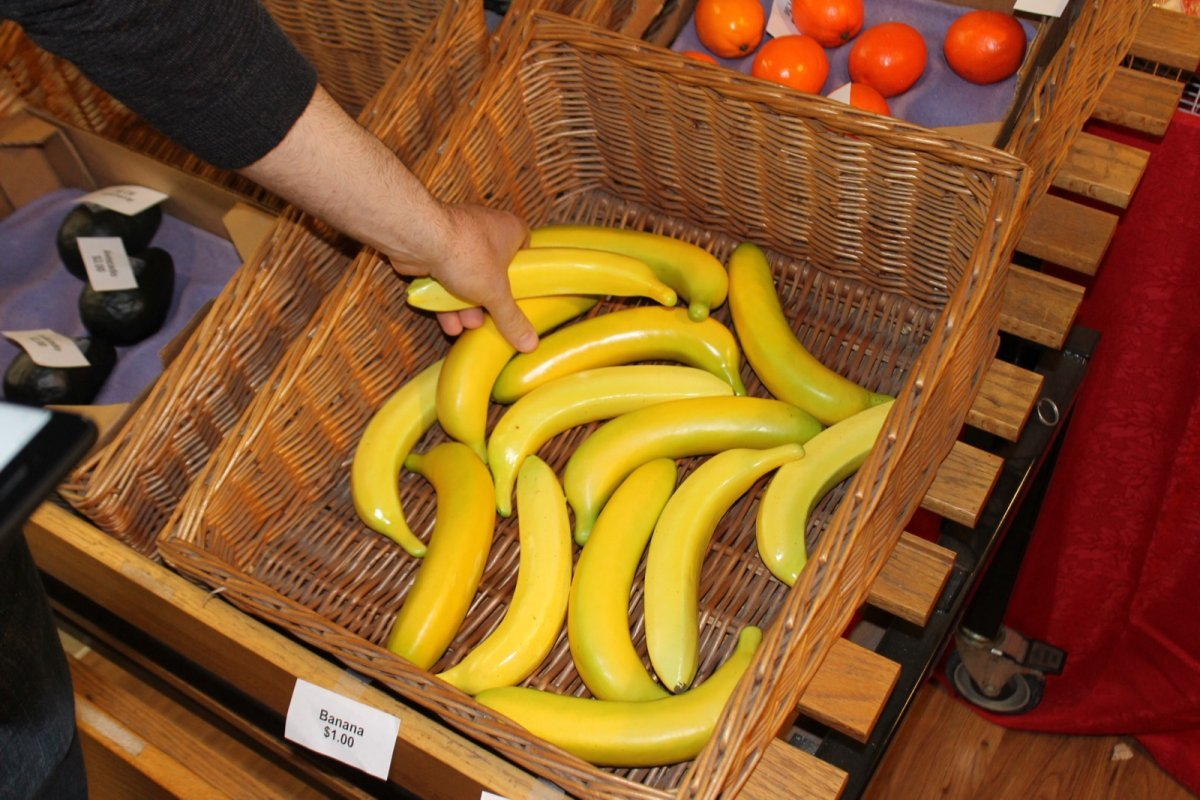 one-item-they-made-sure-they-had-was-fake-bananas-theyre-the-number-one-item-ordered-through-instacart