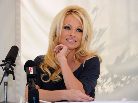 pamela-anderson-wants-to-advocate-for-men-who-are-falsely-accused-of-rape