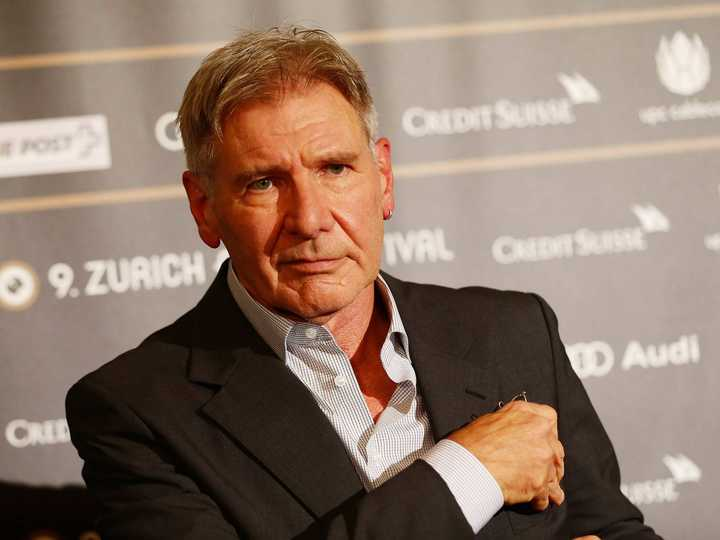 video-shows-harrison-ford-nearly-crashing-into-a-passenger-plane