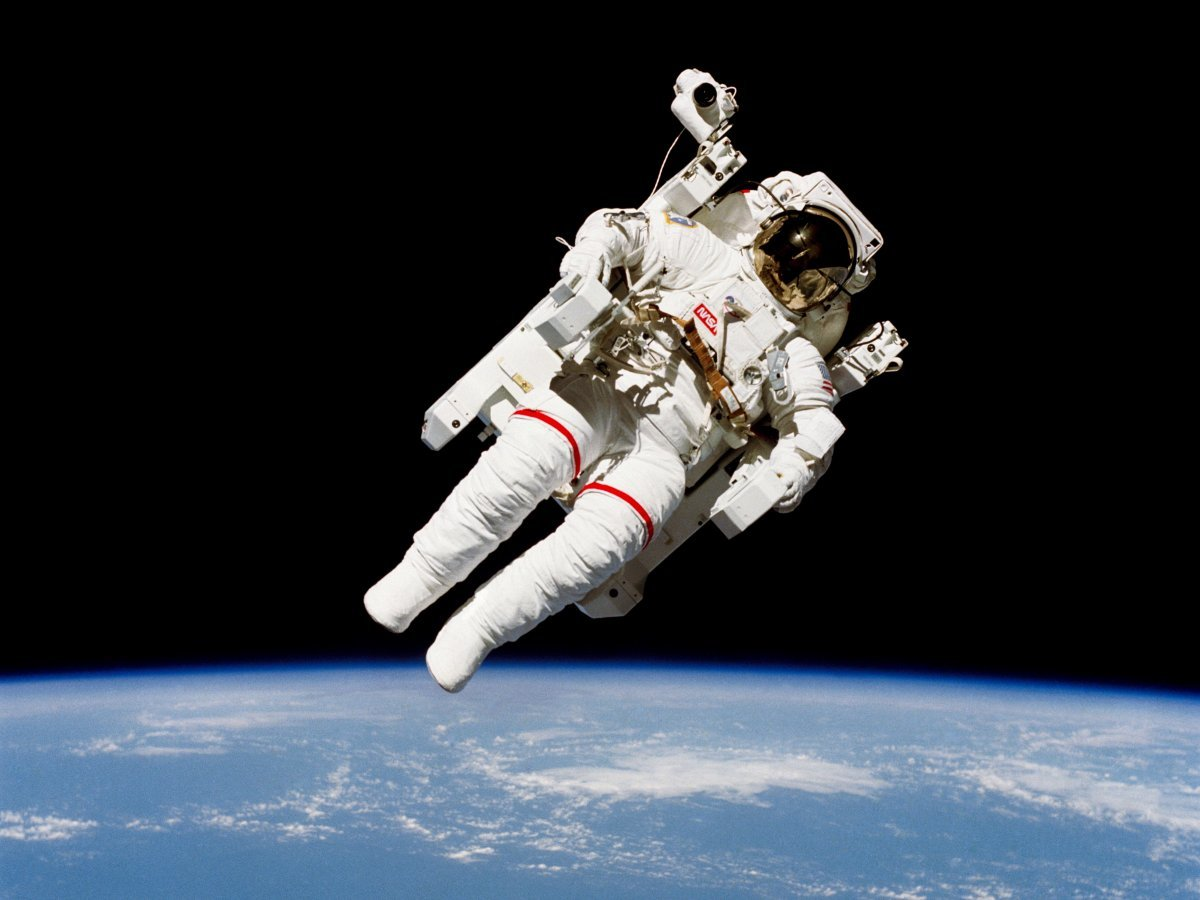 going-to-the-bathroom-in-space-is-no-fun-even-if-you-have-access-to-a-toilet