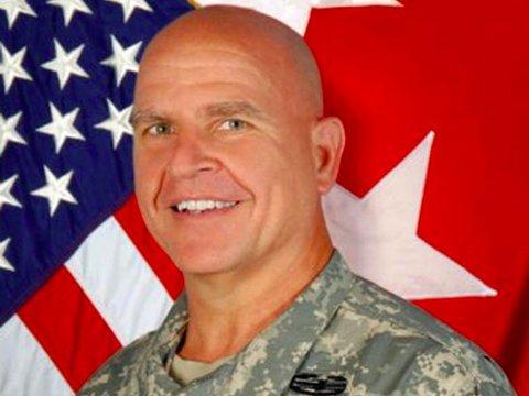 トランプ大統領の新補佐官は「戦車」戦のツワモノ