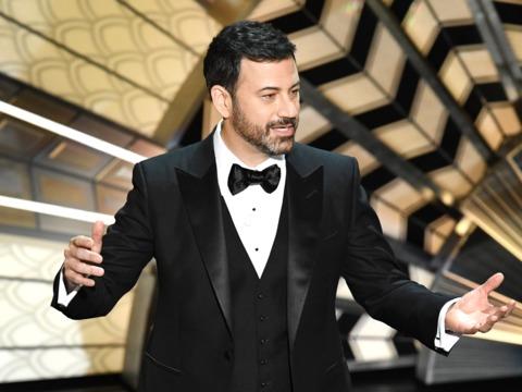 ハプニングで幕を閉じたアカデミー賞受賞式、司会ジミー・キンメルのギャラはたったの1万5000ドル
