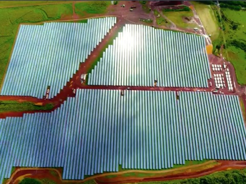 tesla-is-powering-the-hawaiian-island-of-kauai-with-more-than-54000-solar-panels