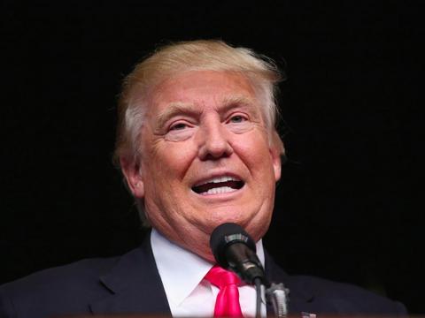 ホワイトハウス、テレビ放送に先回りして大統領の納税申告書を公表