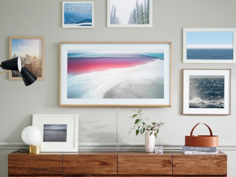 samsung-made-a-tv-with-wooden-borders-that-looks-like-a-picture-frame