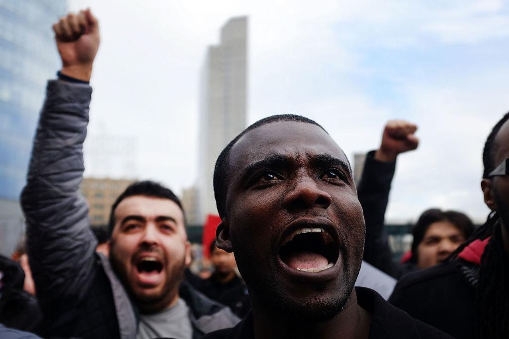 コストカットに抗議するUberの運転手たち