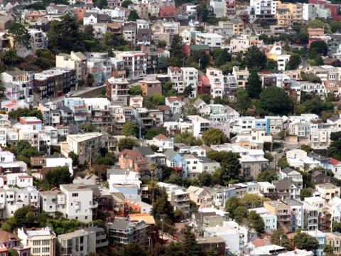サンフランシスコのIT企業、郊外で在宅勤務をする従業員に引っ越し代を支給