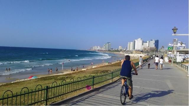 イスラエルは海も美しい。