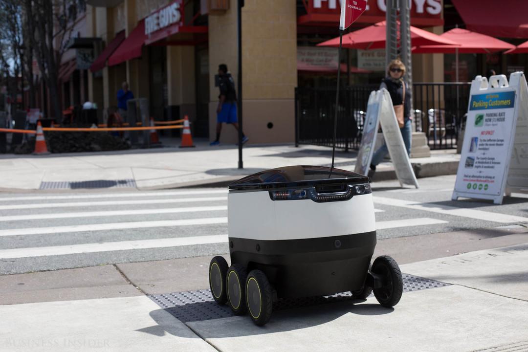 デリバリーロボット