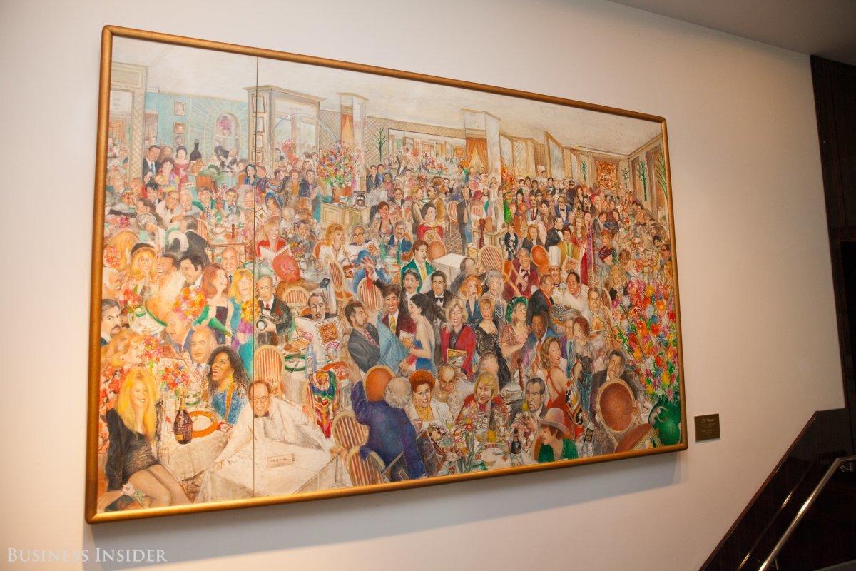 壁に掲げられた絵画。
