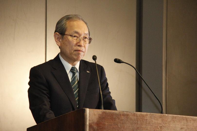 3月29日の記者会見で話す東芝・綱川智社長
