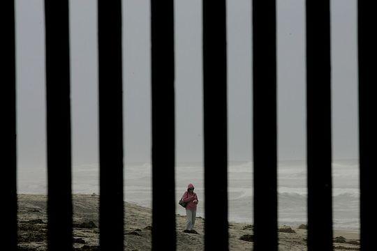 トランプ大統領、メキシコ国境の壁建設に10億ドルの予算請求
