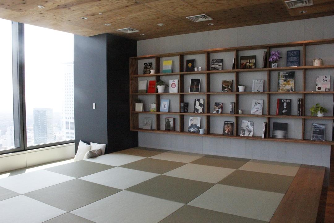 畳スペースと雑貨