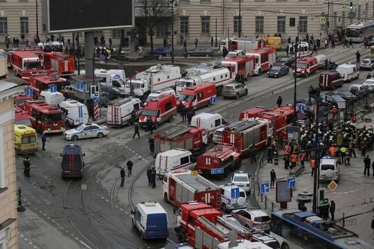 ロシアの地下鉄で爆発、11人が死亡 —— イスラム過激派の自爆テロか