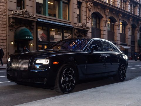 here-it-is-in-all-its-glory-a-415600-luxury-rolls-royce