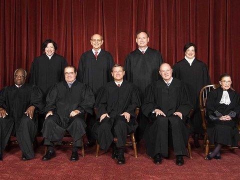 エリートぞろいのアメリカ最高裁判事、学部時代の大学と専攻は?