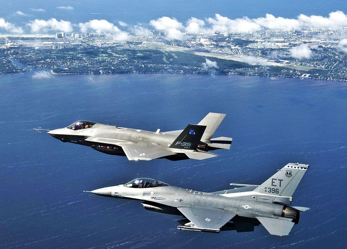 F-35とF-16