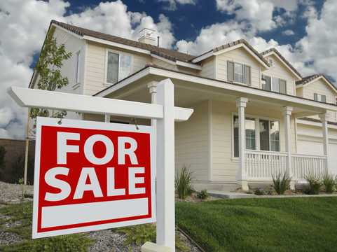アメリカ住宅市場、売り物件が減少。新築も増えず、お手頃物件は奪い合い