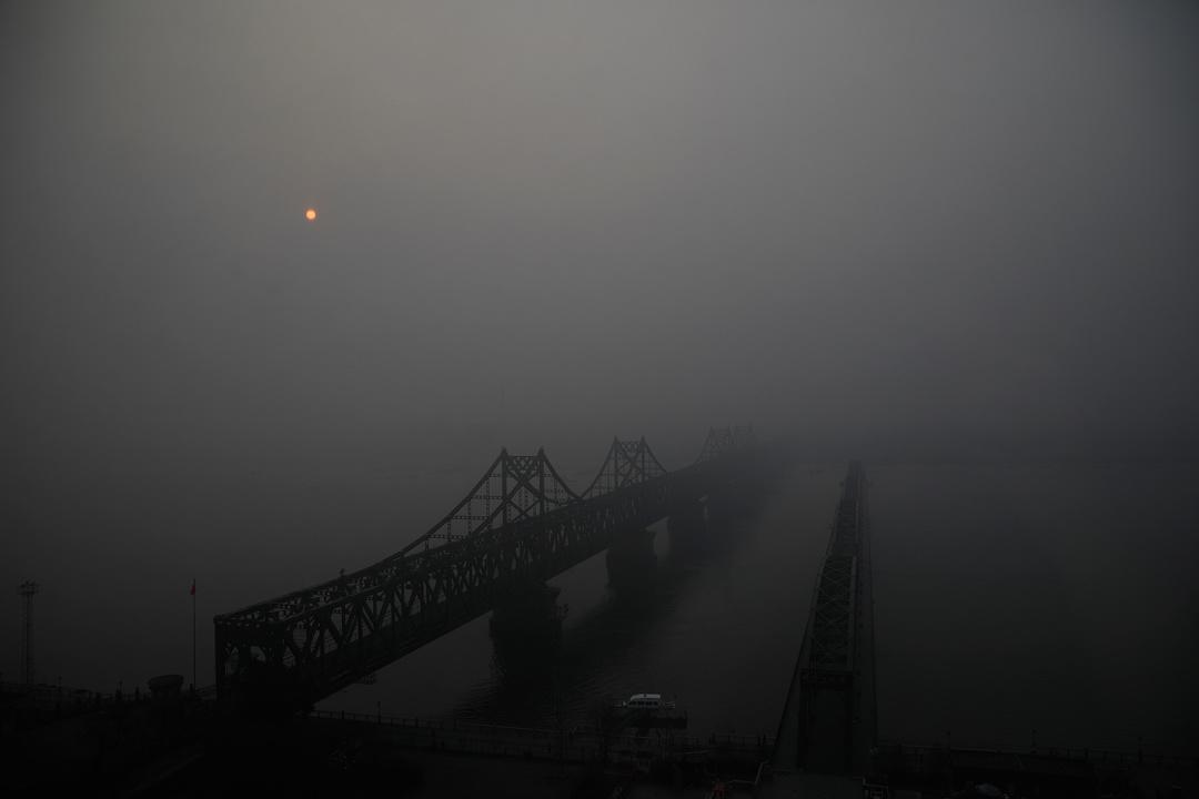 北朝鮮側の夜間の光