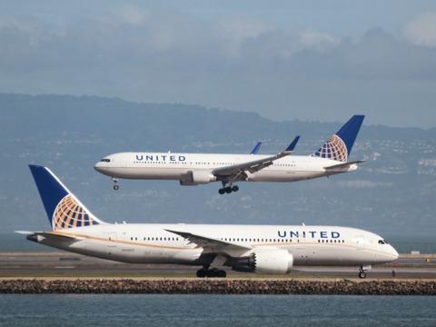 ユナイテッド航空の第1四半期決算、市場予想を上回る —— オーバーブッキング問題の影響は次期以降に
