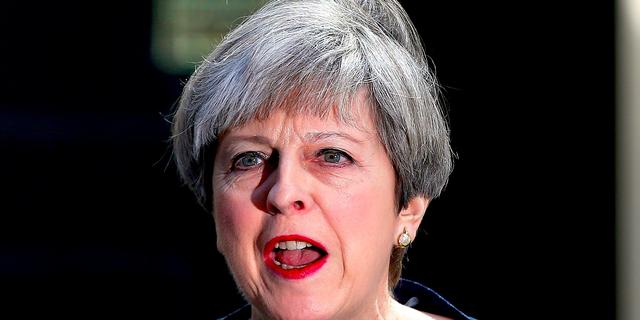 イギリス総選挙 —— 賛成票を投じた労働党員は「クリスマスに賛成する七面鳥」